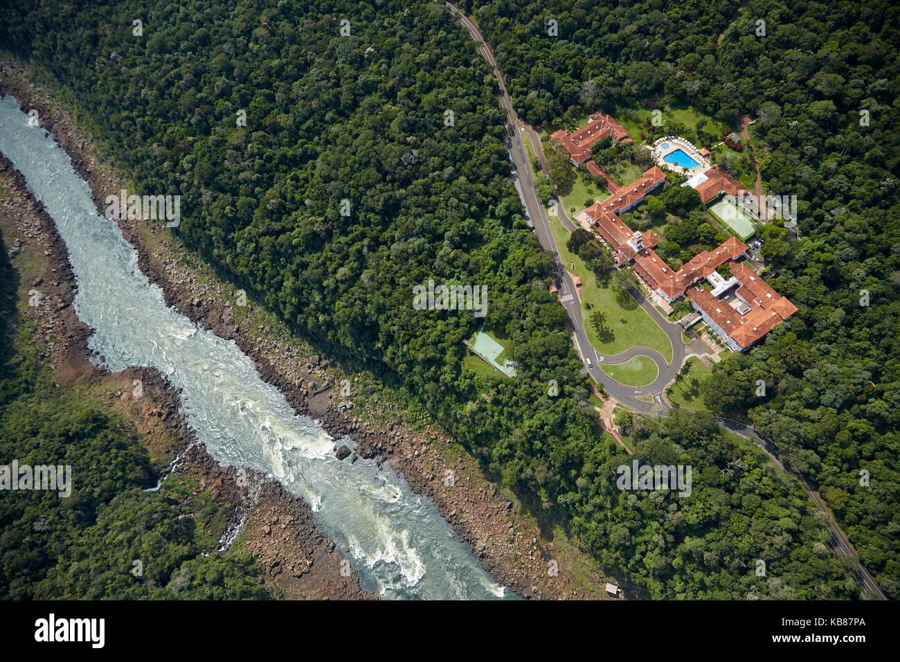 Belmond Hotel das Cataratas, et rivière Iguazu, chutes d'Iguazu, État de Parana, Brésil, Amérique du Sud - aérien Banque D'Images