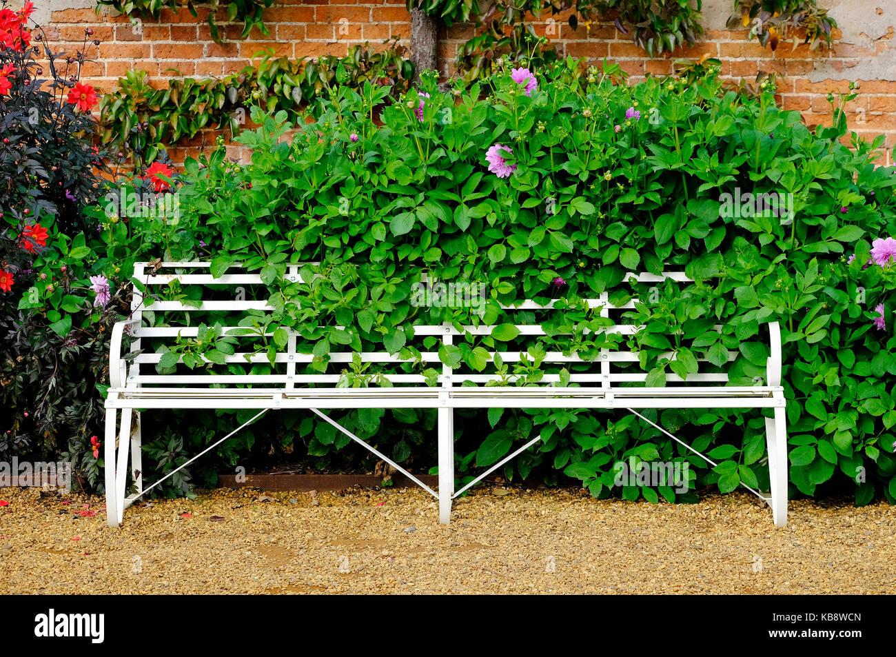 Banc De Jardin En Métal Peint Blanc Siège Norfolk Angleterre