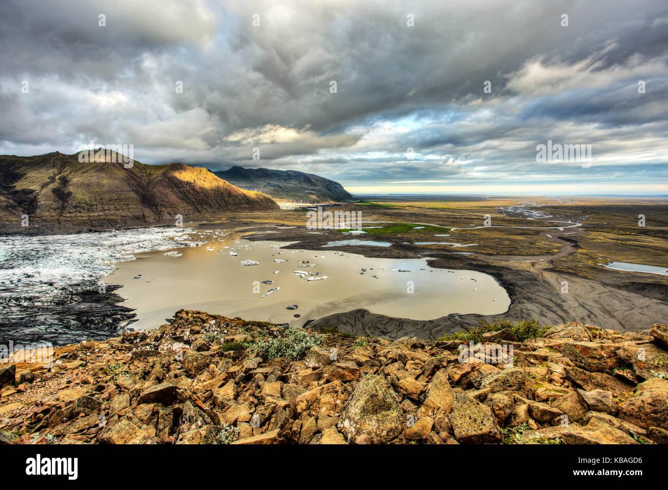 Vue Montagne: sjónarnípa randonnée en Islande Photo Stock