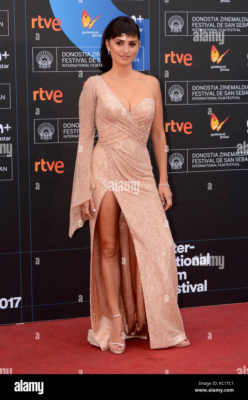Penelope Cruz assiste à la première de 'Loving Pablo' lors du 65e Festival International du film de Sebastian à Banque D'Images