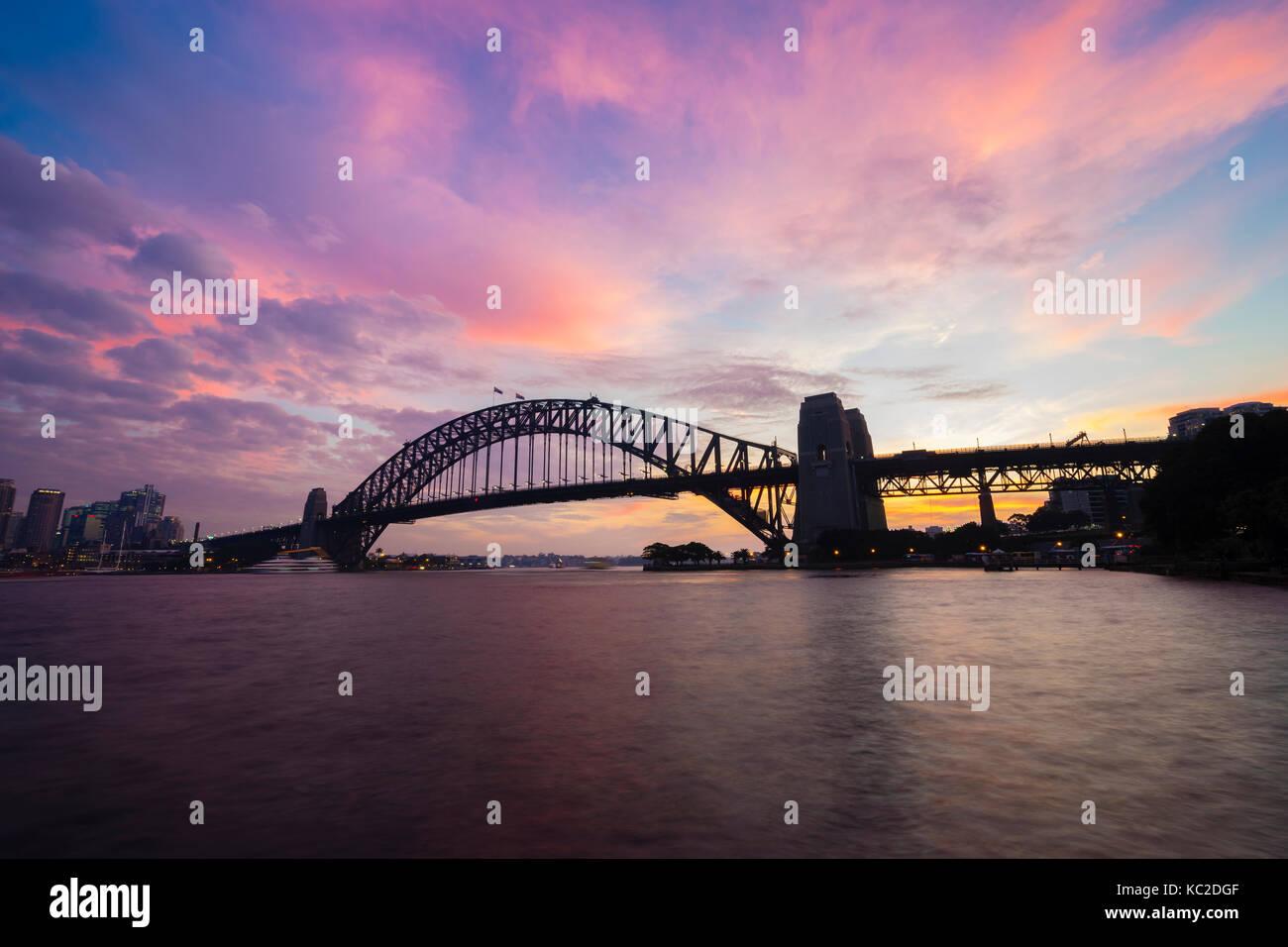 Sydney Harbour Bridge au coucher du soleil Photo Stock