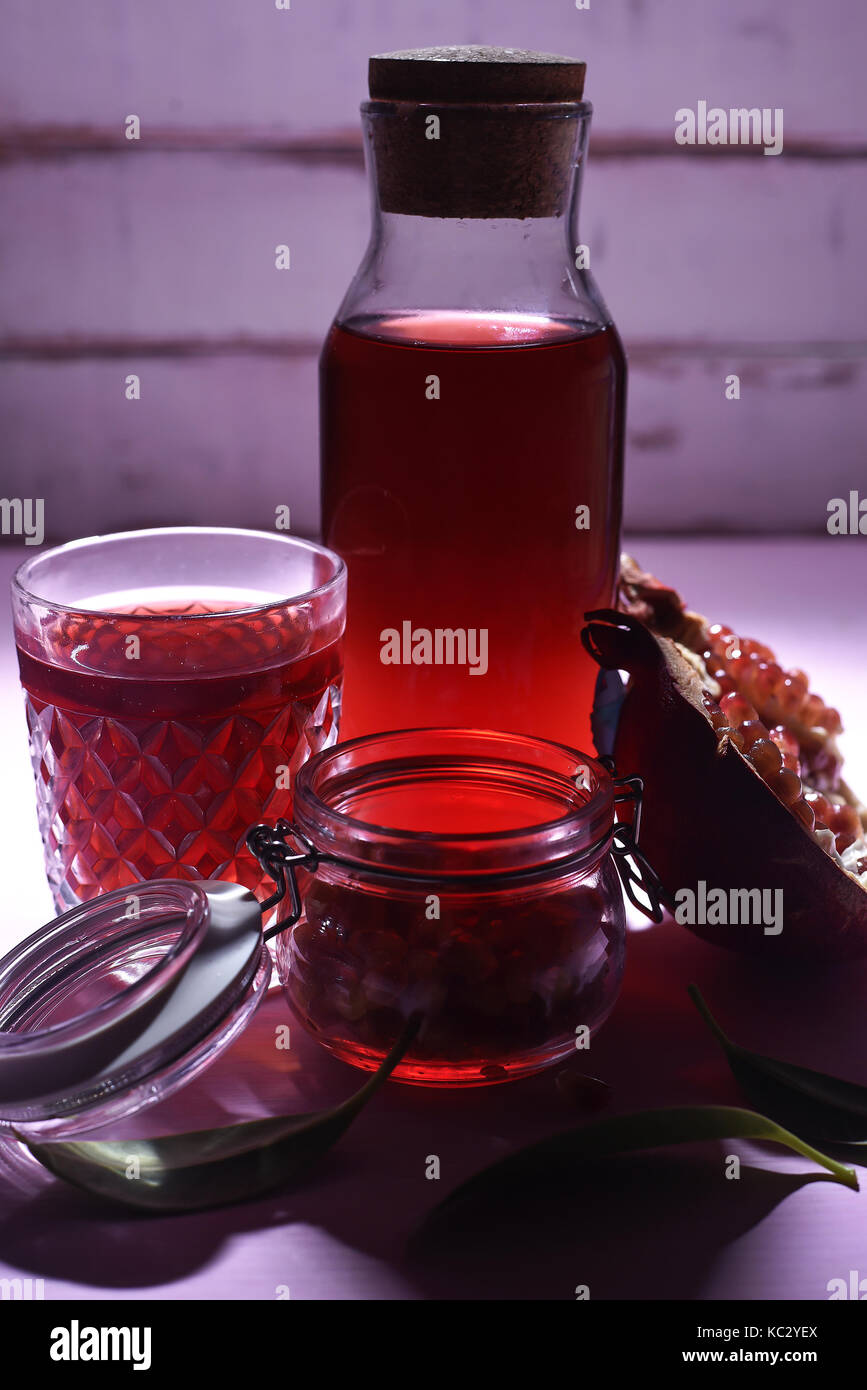 Le jus de grenade et de subvention Photo Stock