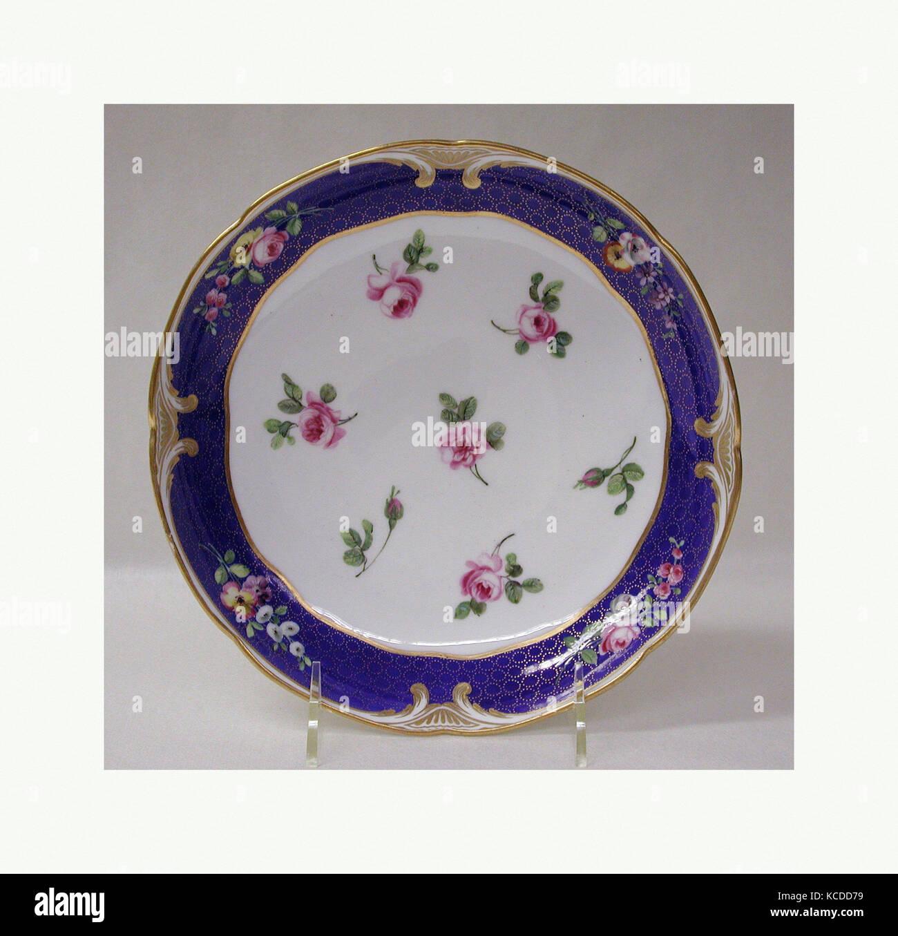 Plat de fruits (compotier rond), 1771, le français, Sèvres, Soft-coller, porcelaine 1 11/16 x 8 3/8 in. Photo Stock