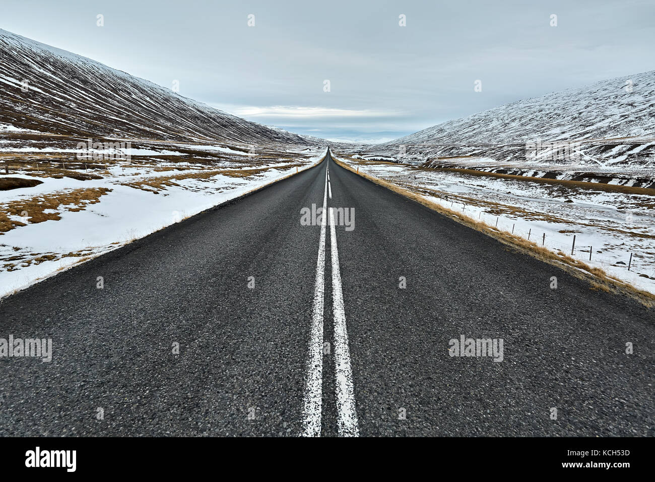Route de pays en Islande Photo Stock