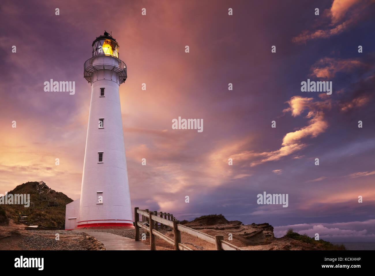Château point lighthouse, coucher de soleil, wairarapa, Nouvelle-Zélande Photo Stock