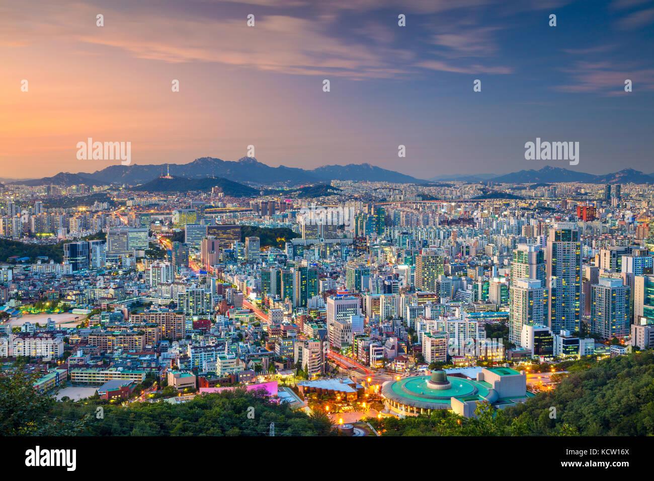 Séoul. cityscape image de centre-ville de Séoul en été au coucher du soleil. Banque D'Images