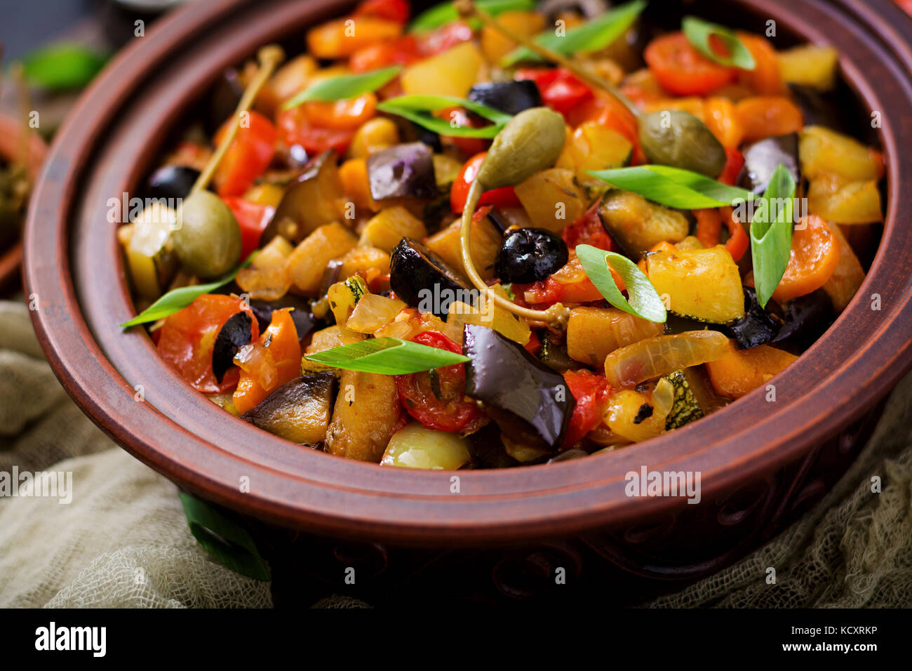 sex spicy stew caponata l 39 aubergine la courgette poivron tomate carotte oignon olives et. Black Bedroom Furniture Sets. Home Design Ideas