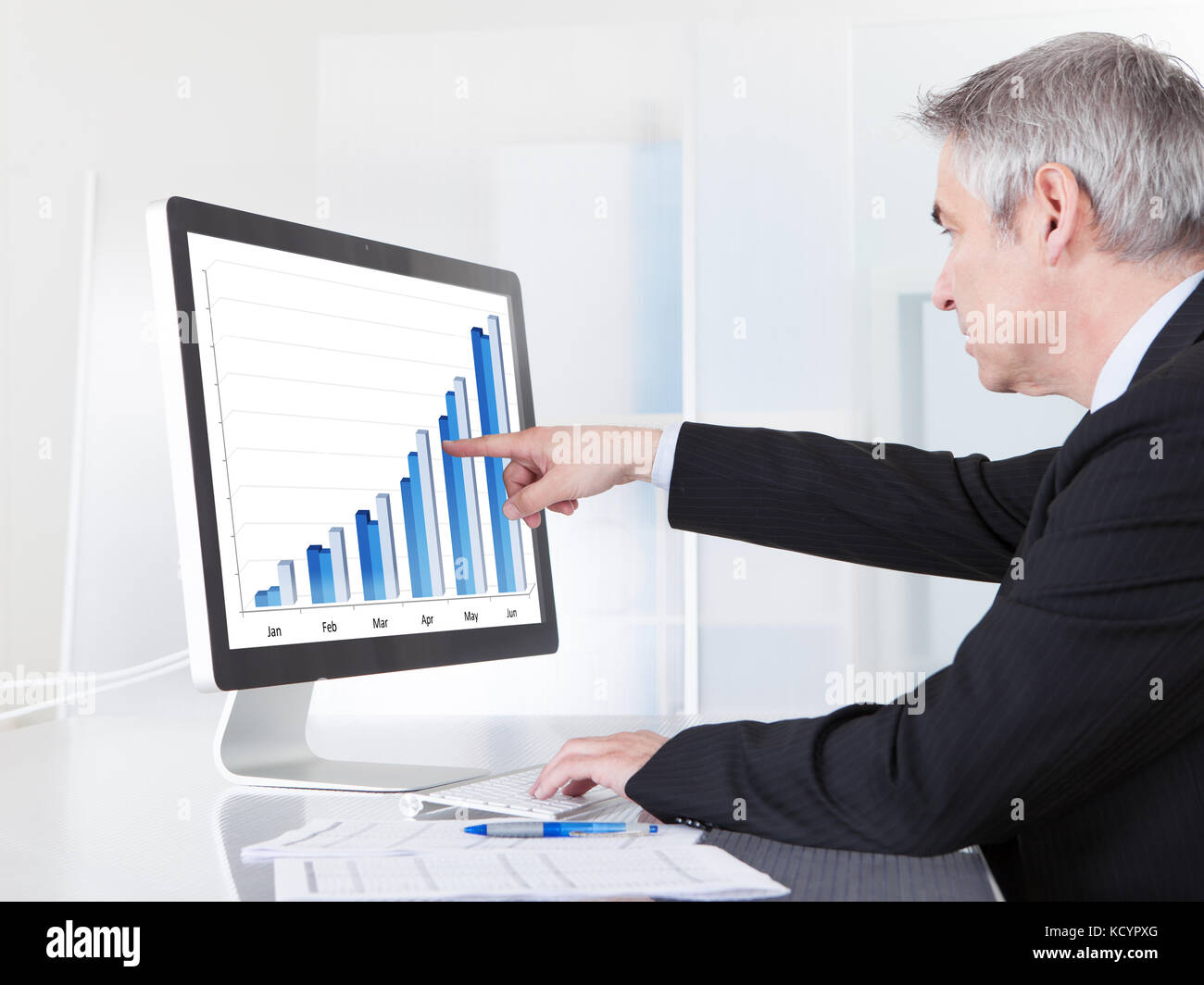 Cost Report Photos & Cost Report Images - Alamy