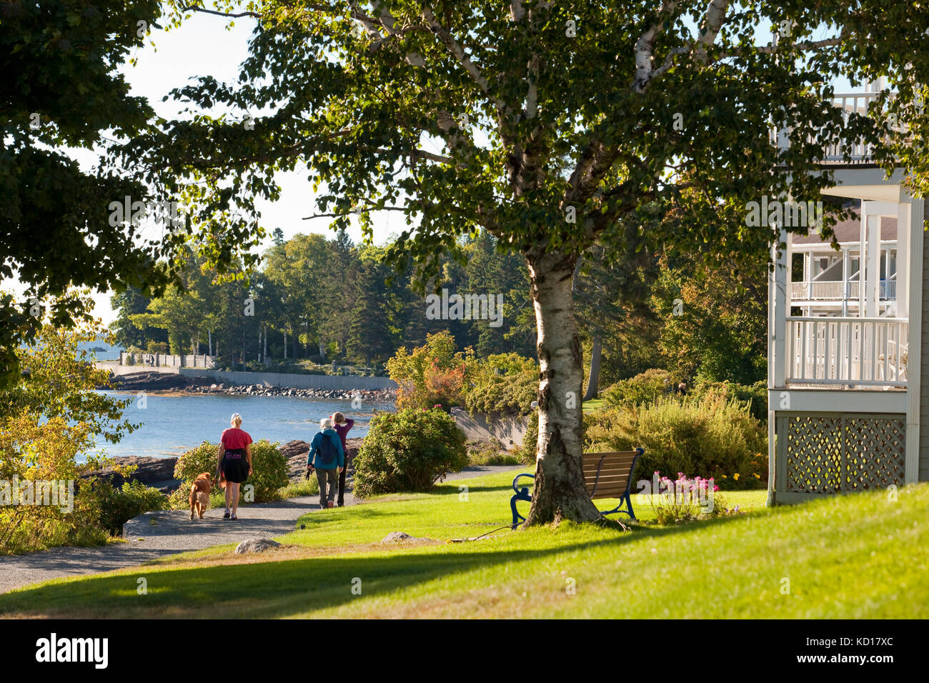 'Shore populaires path' qui commence à Bar Harbor et prolonge de trois-quarts de mile le long de la Photo Stock