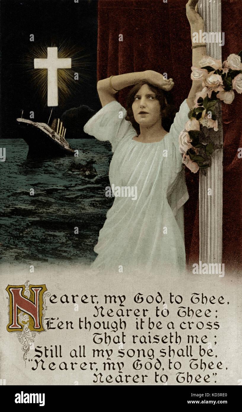 Lancement de RMS Titanic, 31/05/1911. Pleurer la carte postale après le désastre de Titantic avec l'hymne 'plus proche de mon Dieu à toi'. Le bateau à vapeur a coulé le 15 avril 1912 lors de son premier voyage de Southampton & Cherbourg à New York, après avoir frappé l'iceberg au large de la côte de New Foundland, avec la perte de 1 635 passagers et membres d'équipage. Banque D'Images