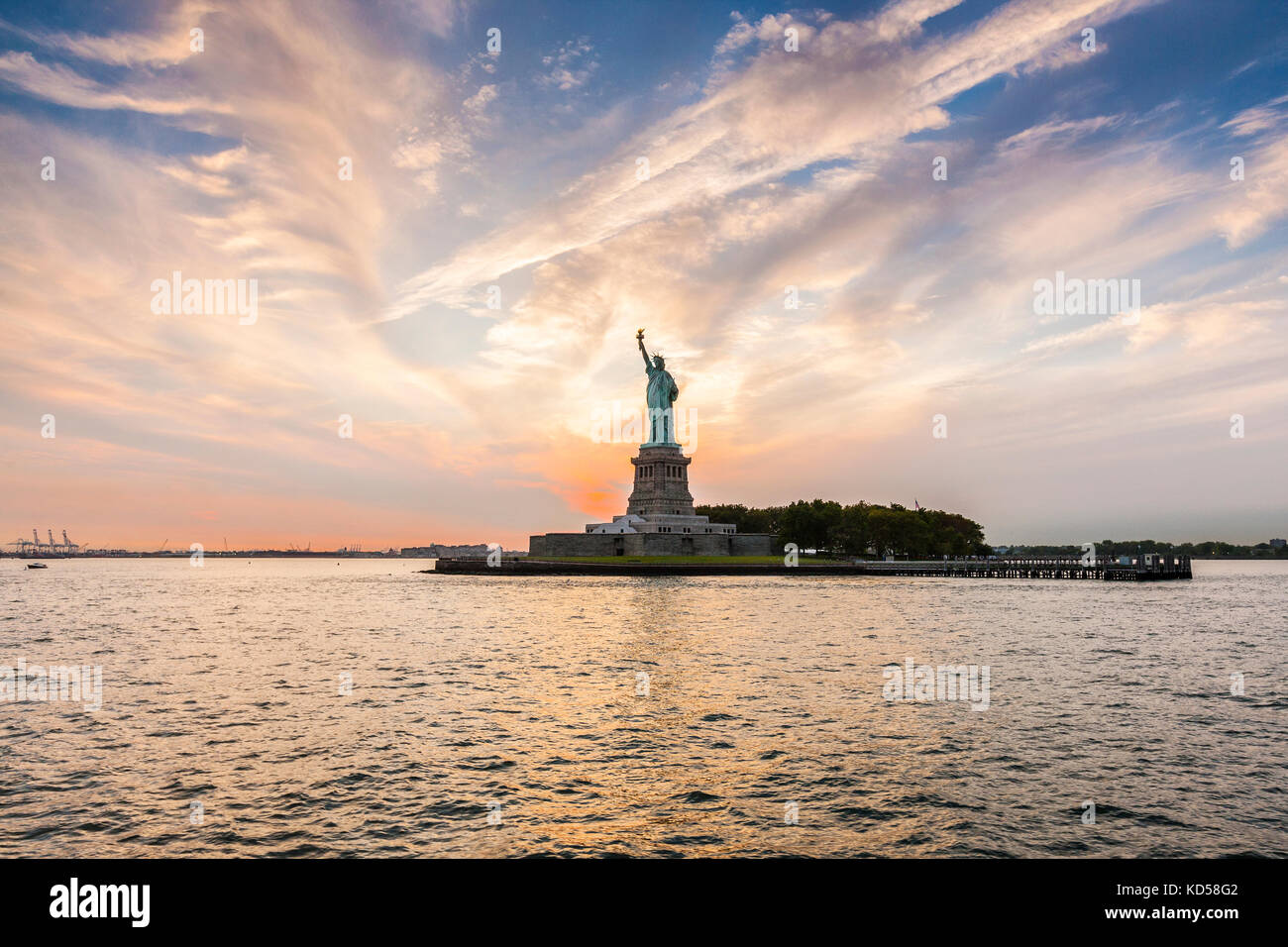 Statue de la Liberté au coucher du soleil, New York City Photo Stock