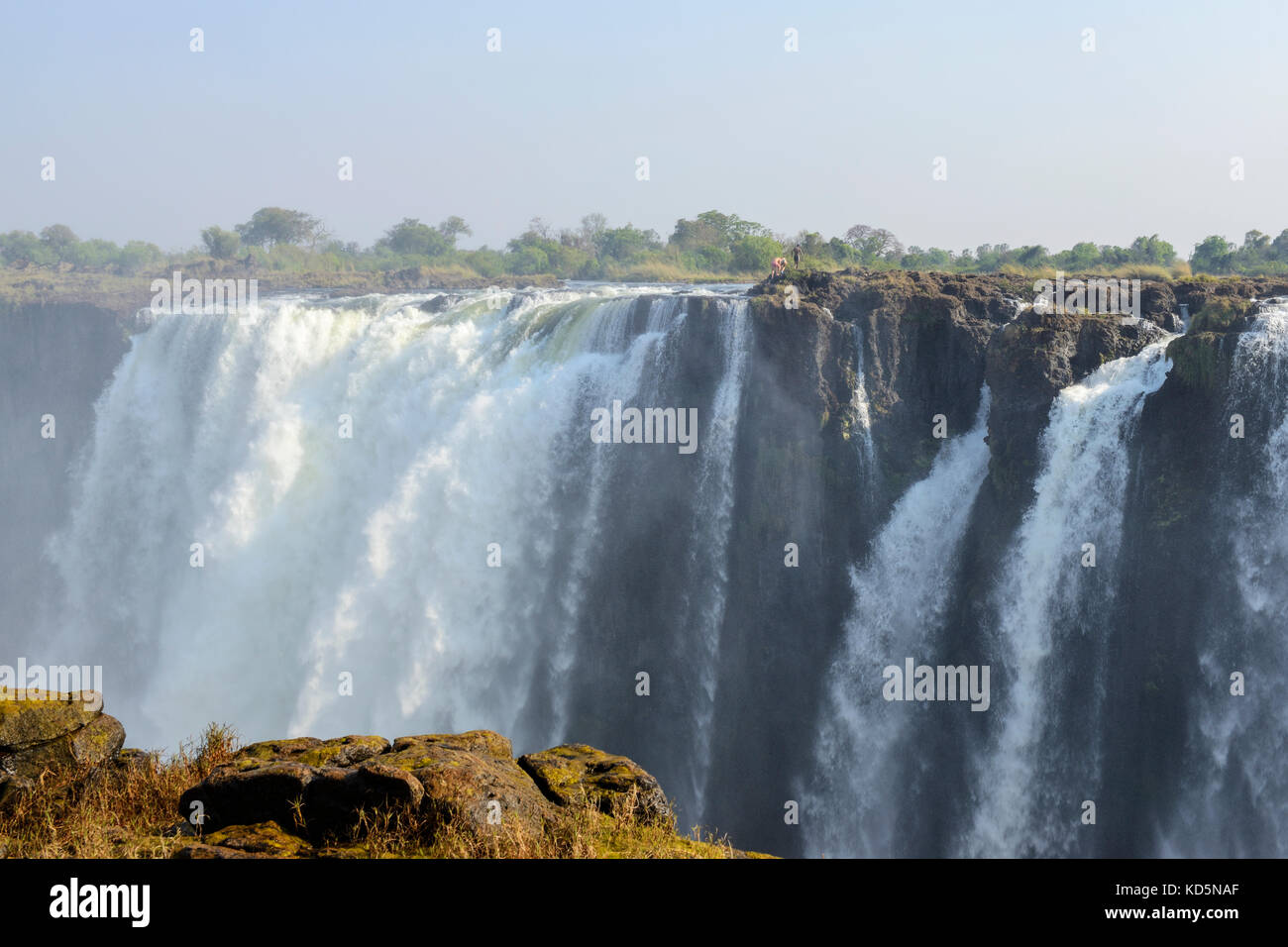 Victoria Falls ou Mosi-oa-Tunya (la fumée qui tonne), Zimbabwe, Afrique du Sud Photo Stock
