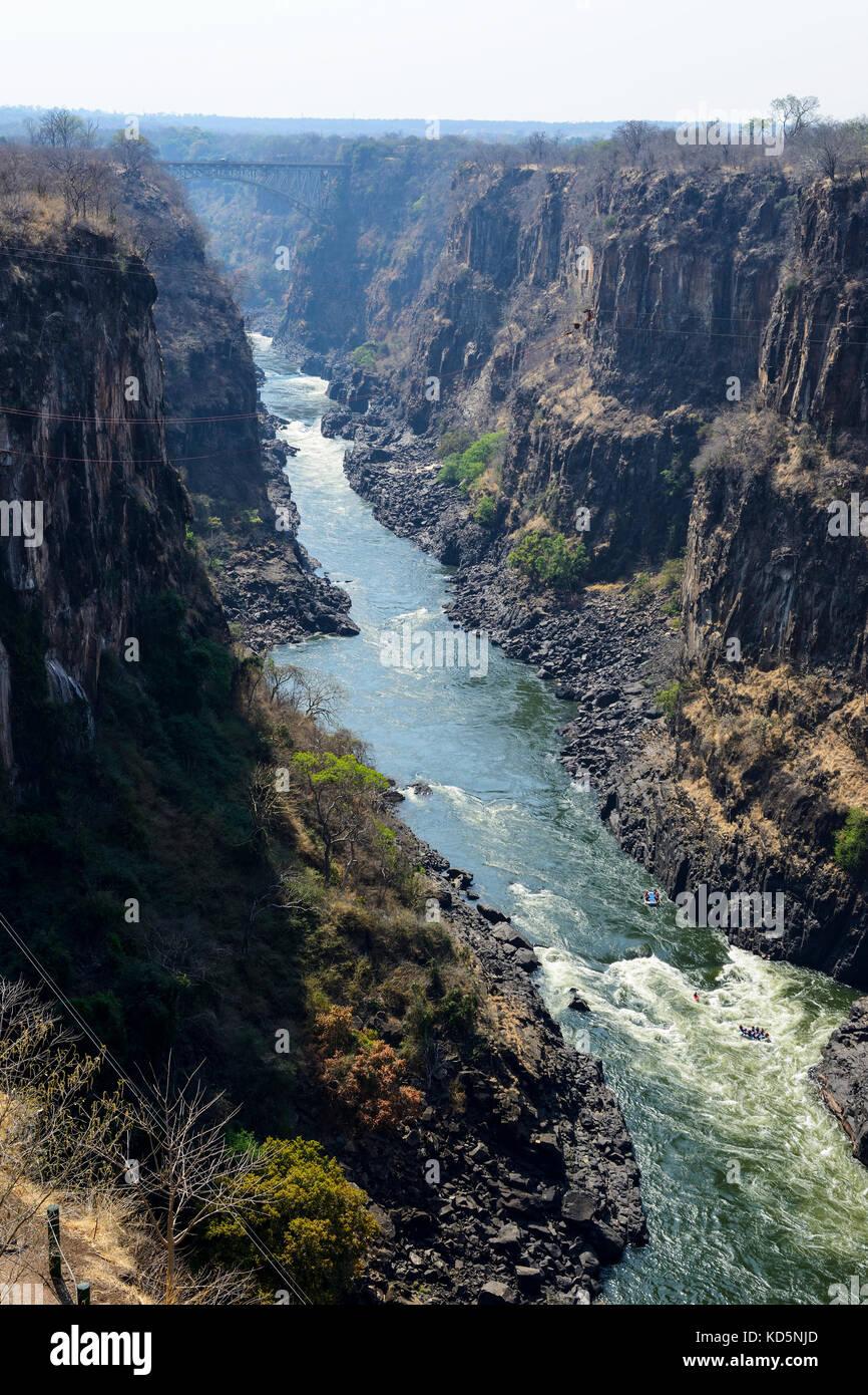 Rafting sur le fleuve Zambèze, le Zimbabwe, l'Afrique du Sud Photo Stock