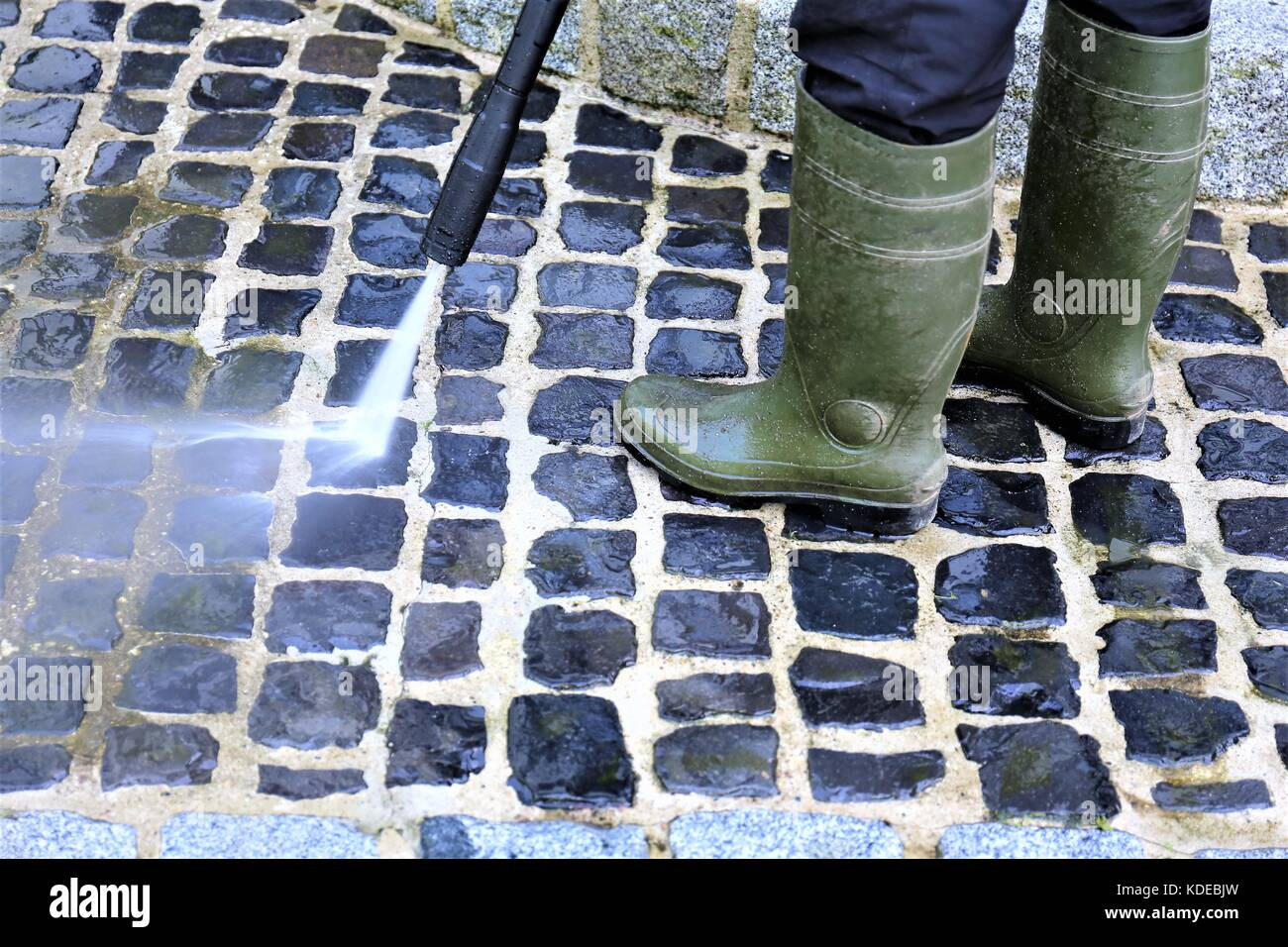 Une image de walkway nettoyage - nettoyeur haute pression Photo Stock