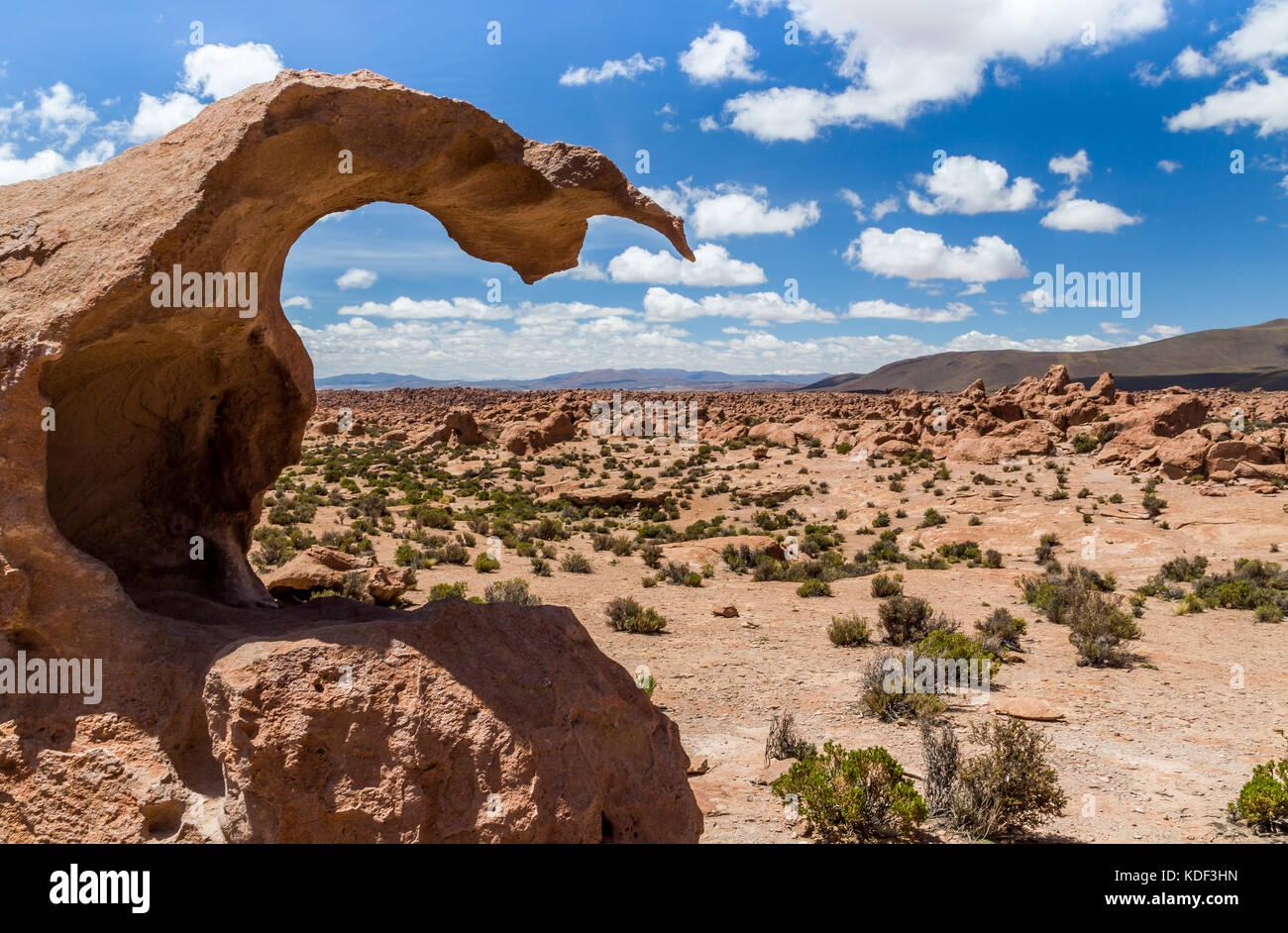 Conduire dans le désert, en Bolivie Photo Stock