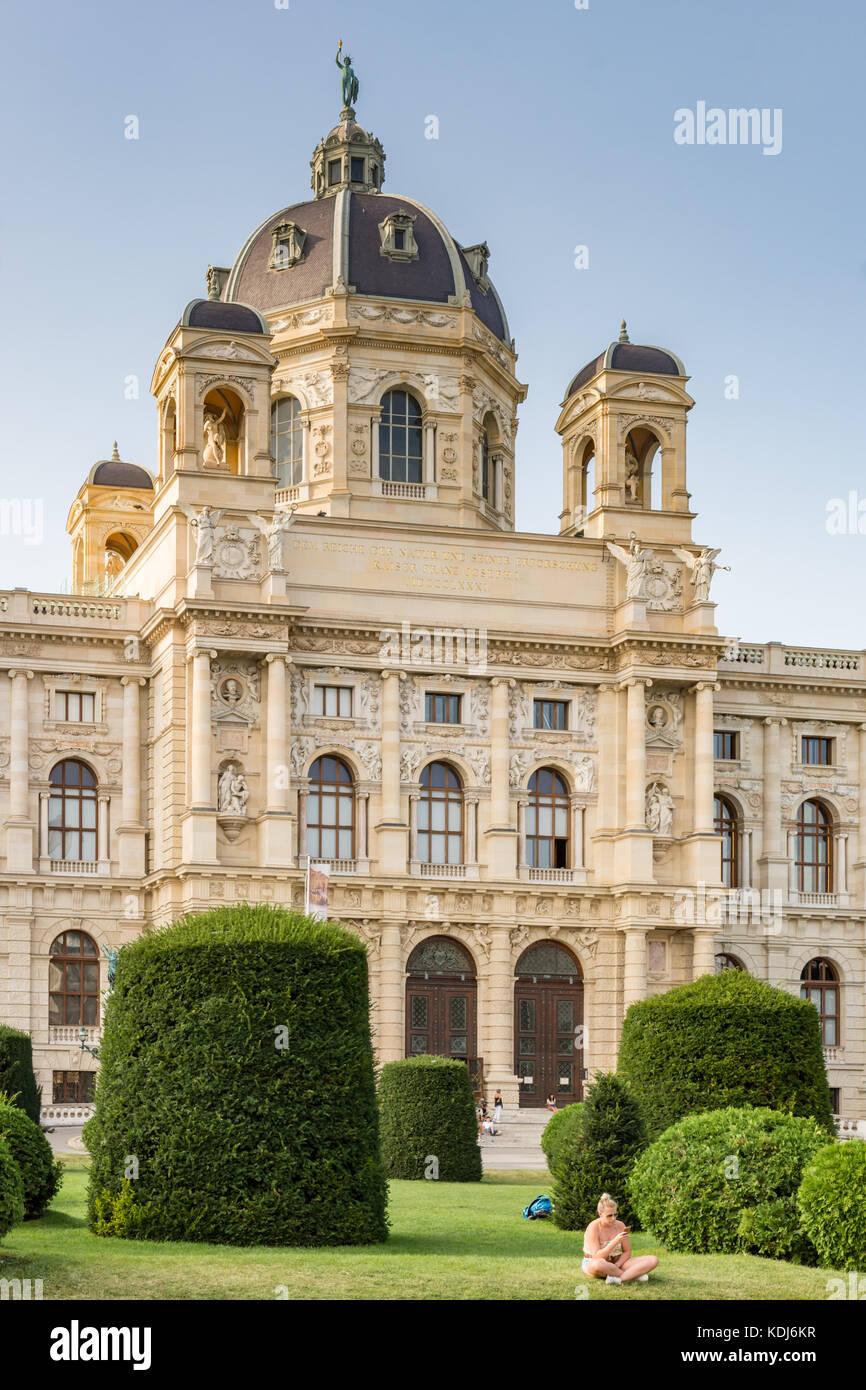 Vienne, Autriche - août 28: les touristes au musée d'histoire naturelle à la maria-theresien Photo Stock