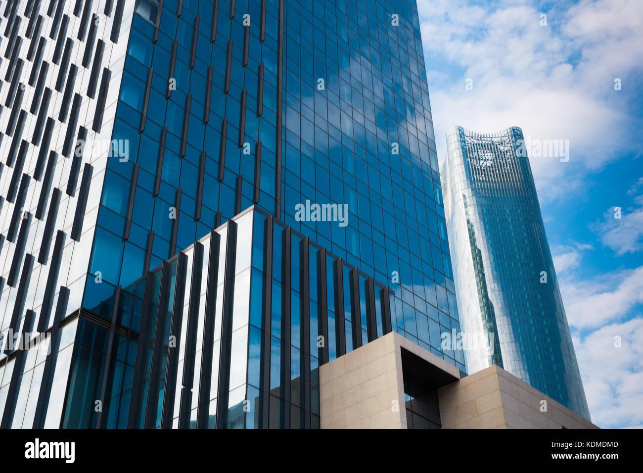 Gratte-ciel moderne des affaires, les bâtiments de grande hauteur, l'architecture sensibilisation pour Photo Stock