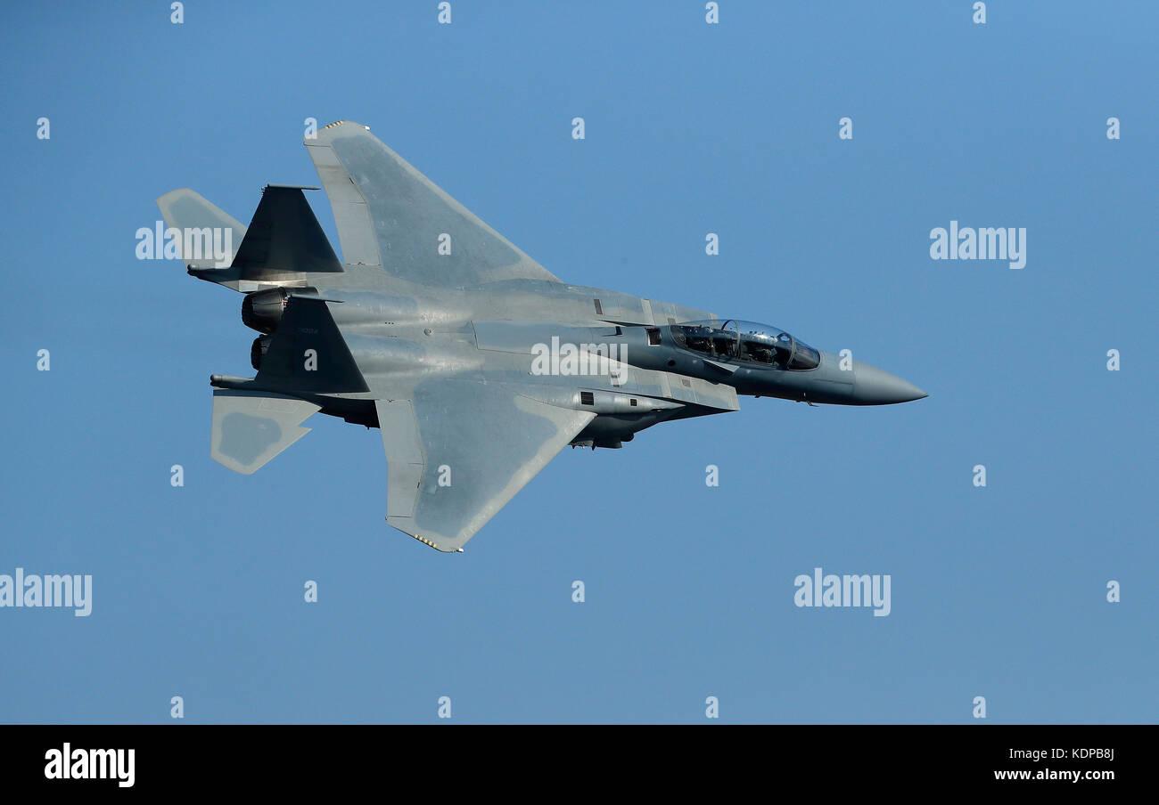 F-15sa voler au-dessus de la vallée de la mort, en Californie. Photo Stock