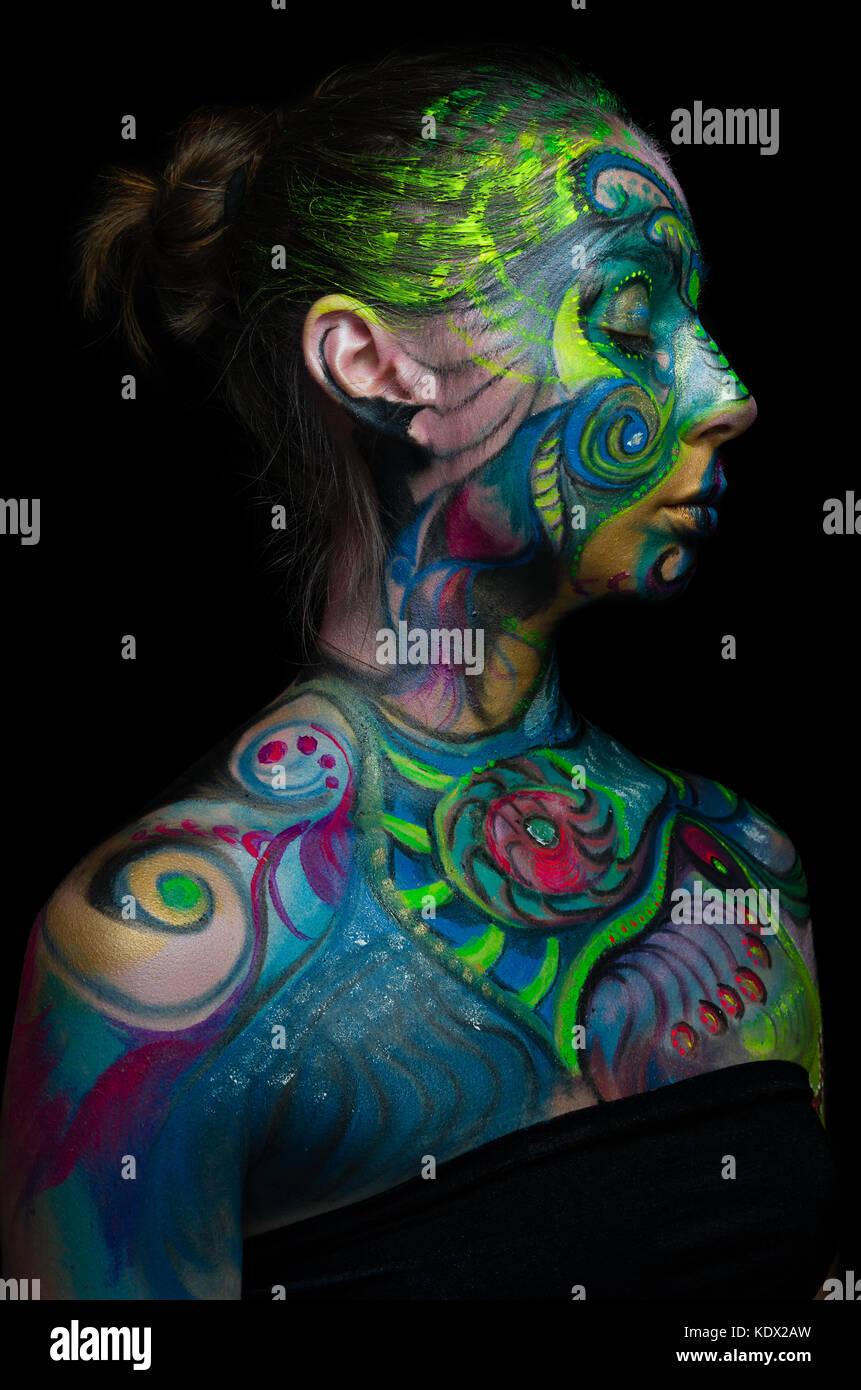 Belle body art - visage artistique (vue côté droit) Photo Stock