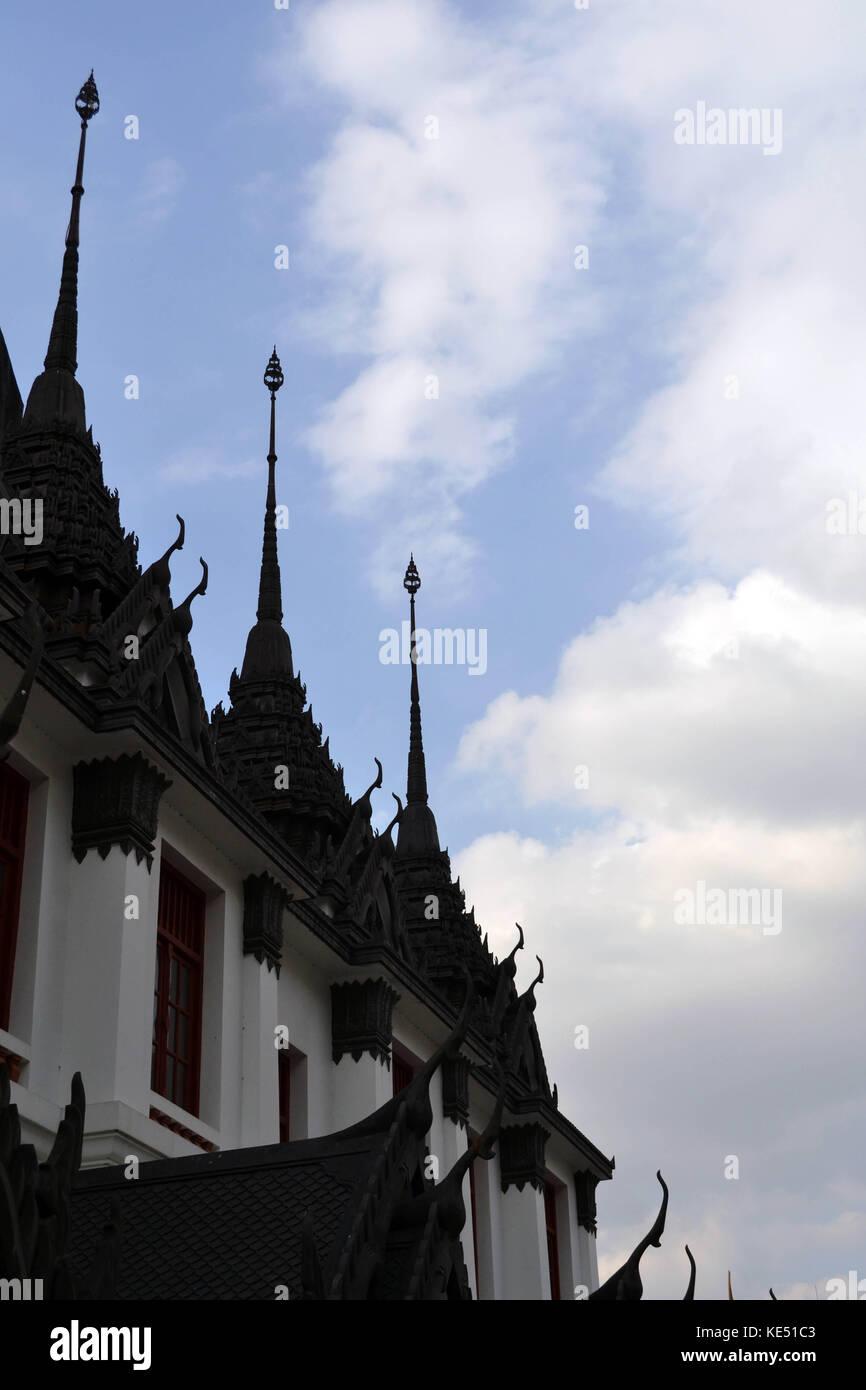 Le point de vue autour de loha (prahat wat ratchanatdaram) à Bangkok, Thaïlande. pic a été prise en janvier 2015. Banque D'Images
