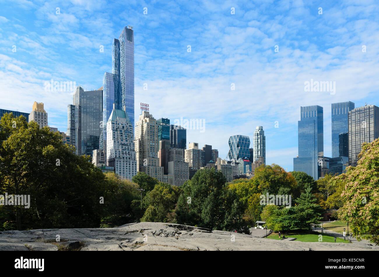 Voir l'horizon de New York, de Central Park Photo Stock