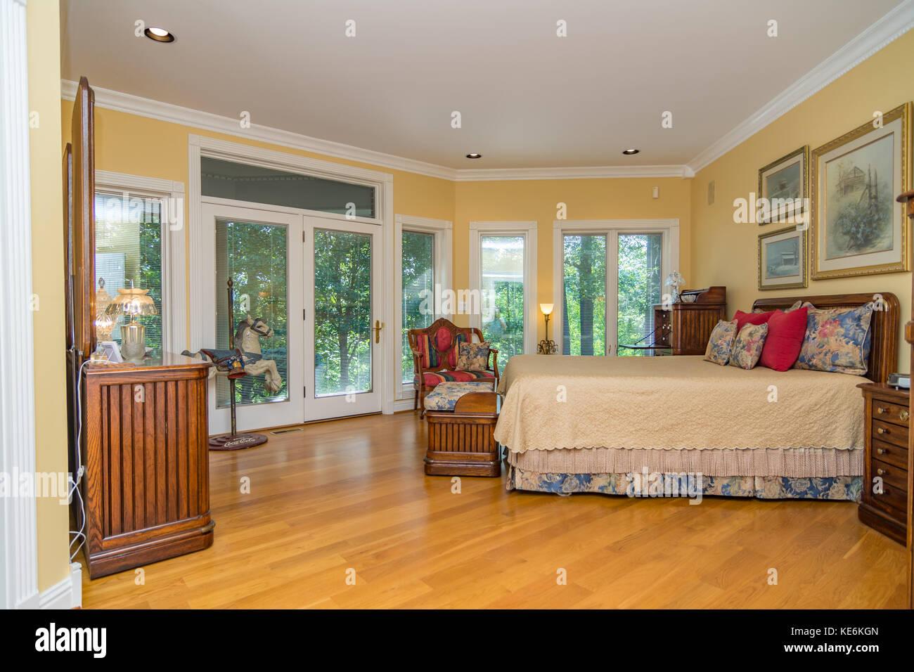 Chambre intérieur de classe moyenne maison américaine au Kentucky ...