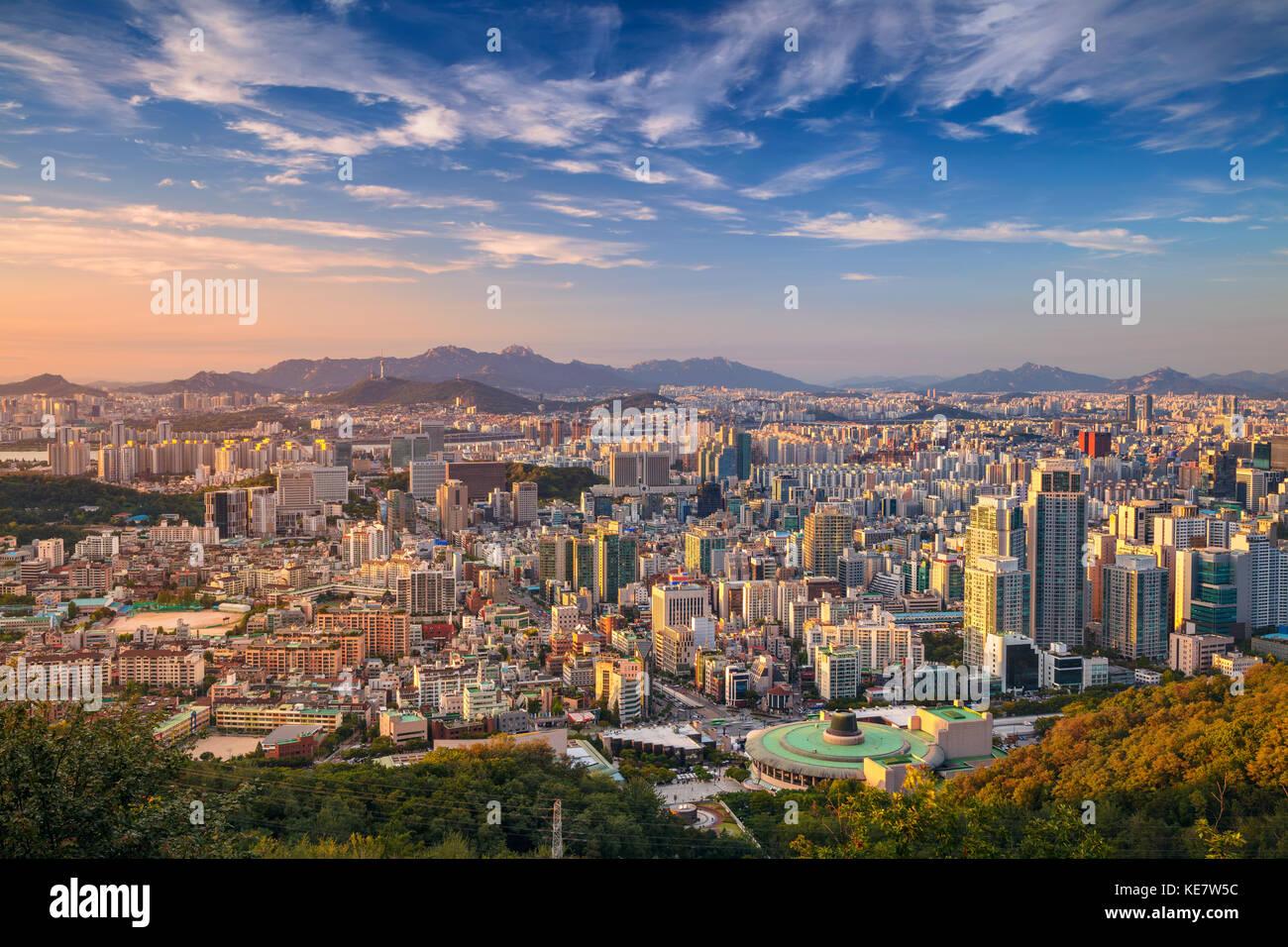 Séoul. cityscape image de centre-ville de Séoul au cours de journée d'été. Banque D'Images