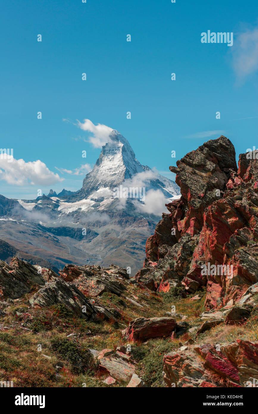 Matterhorn couverte de neige, rougeâtres, rock voir de Zermatt, Valais, Suisse Banque D'Images