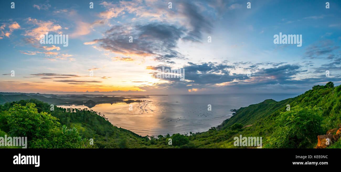 Lever du soleil à Kuta, Lombok, Indonésie Photo Stock
