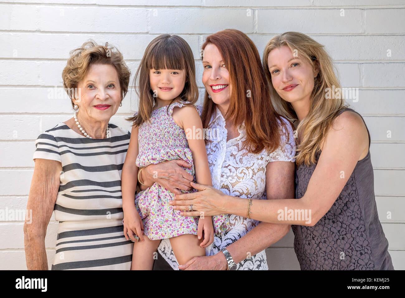 Quatre générations de femmes de leur famille Photo Stock