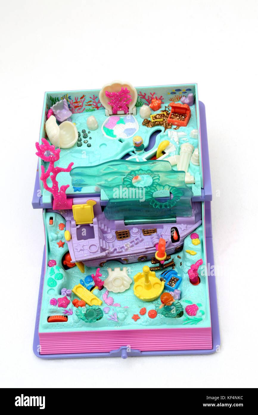 Vintage des années 90, jouet Polly Pocket Adventure Mermaid mousseux Photo Stock