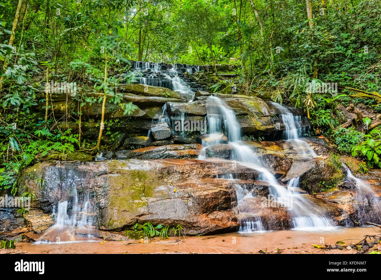 Belle cascade de Doi Suthep, Chiang Mai, Thaïlande, Asie Photo Stock