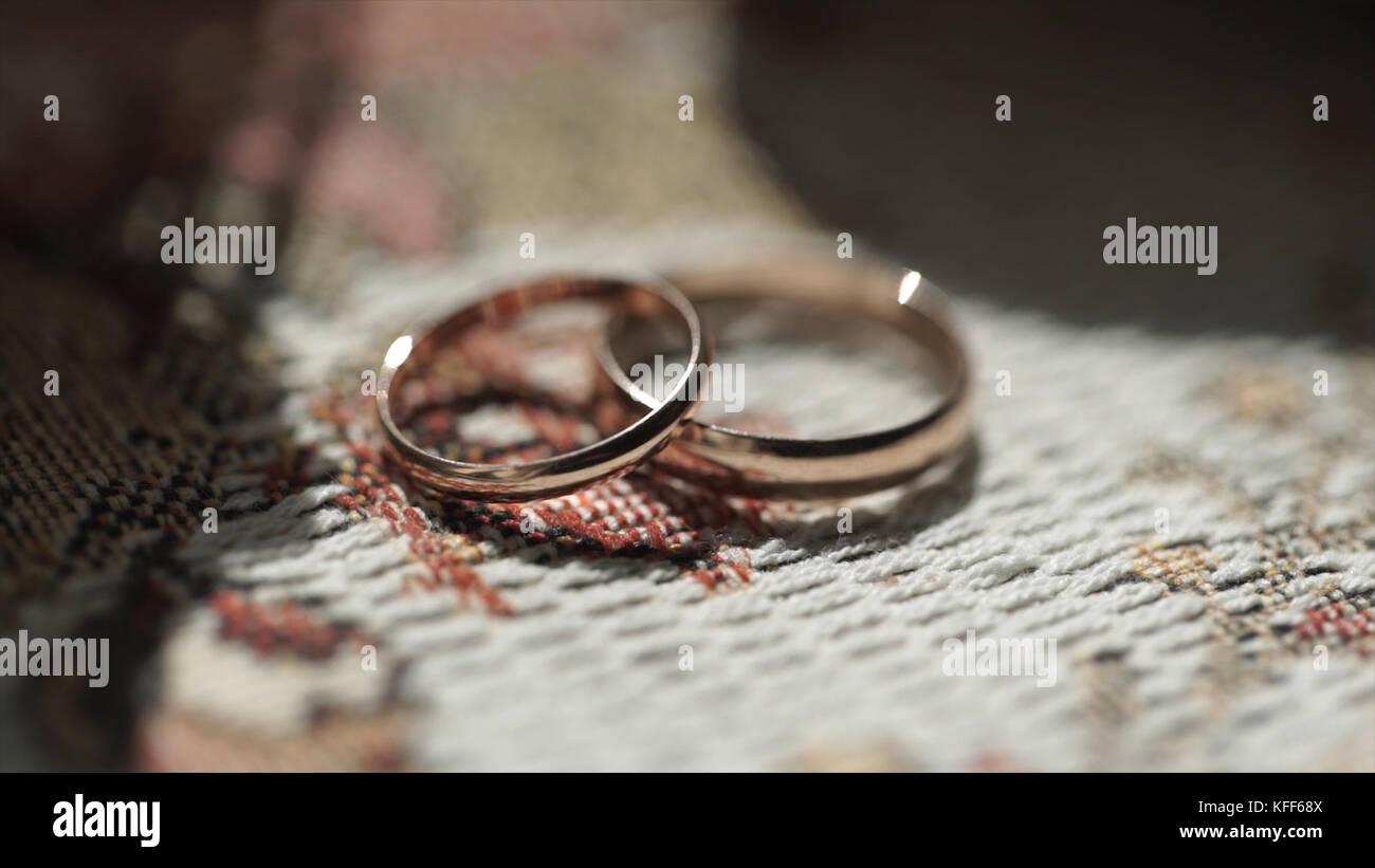 Anneaux De Mariage Dargent Largent Ou De Titane Alliances