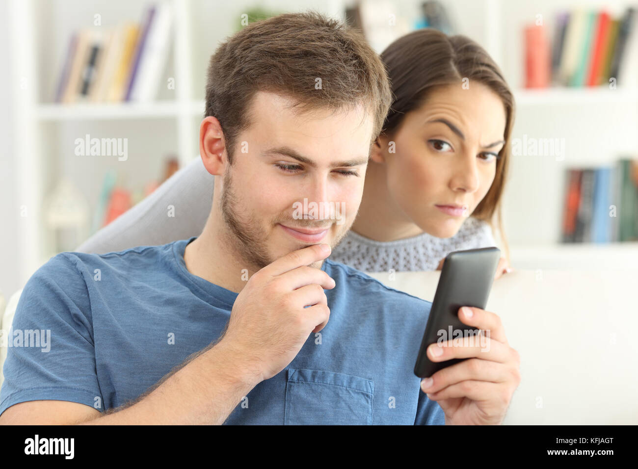 téléphone intelligent espionnage