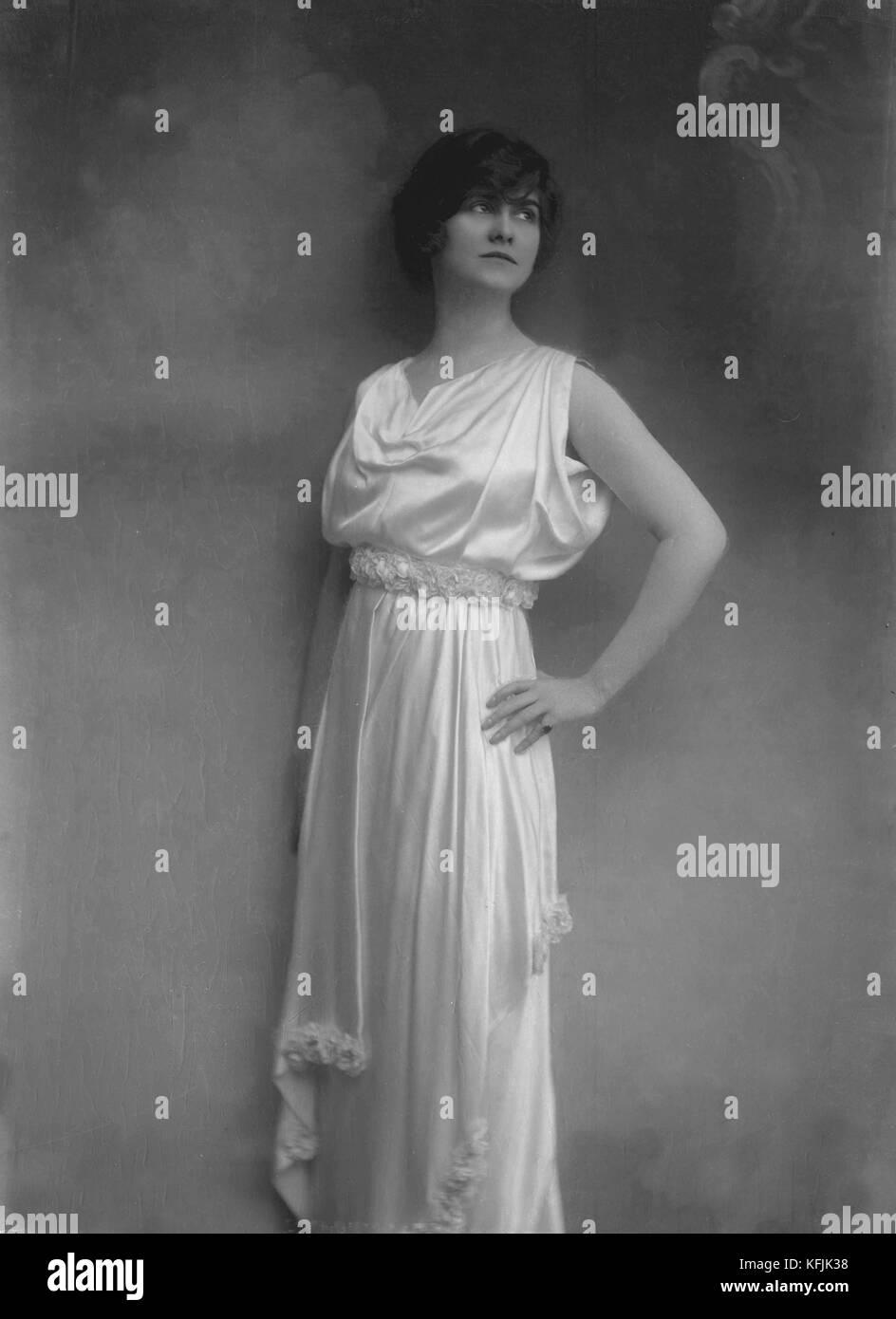 Coco Chanel (1883-1971), couturier français. photo taponier Photo12.com 08b817a5b59