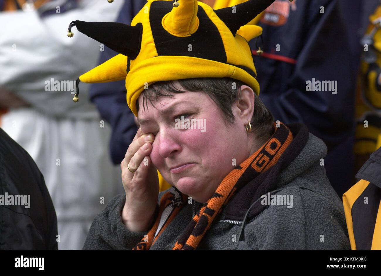 Supporter de football de Sheffield Wednesday pleurer ventilateur v Wolverhampton Wanderers Avril 2002 Photo Stock
