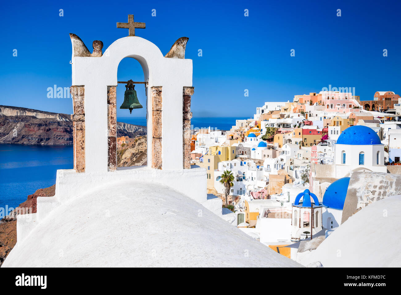 Oia, SANTORIN - Grèce. Célèbre attraction de village blanc avec des rues pavées, Îles Cyclades, Photo Stock