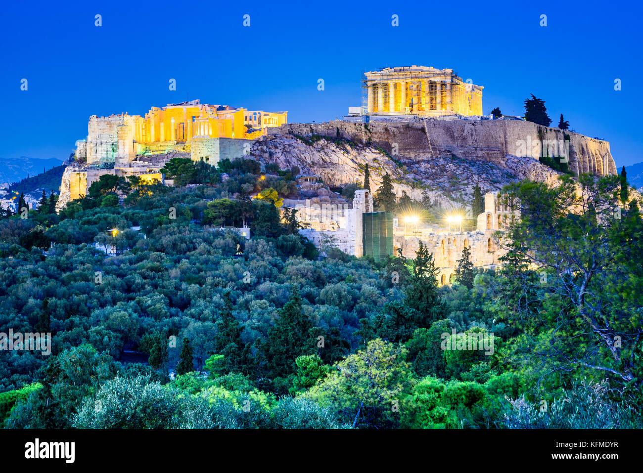 Athènes, Grèce - vue de la nuit de l'Acropole, ancienne citadelle de la civilisation grecque. Photo Stock