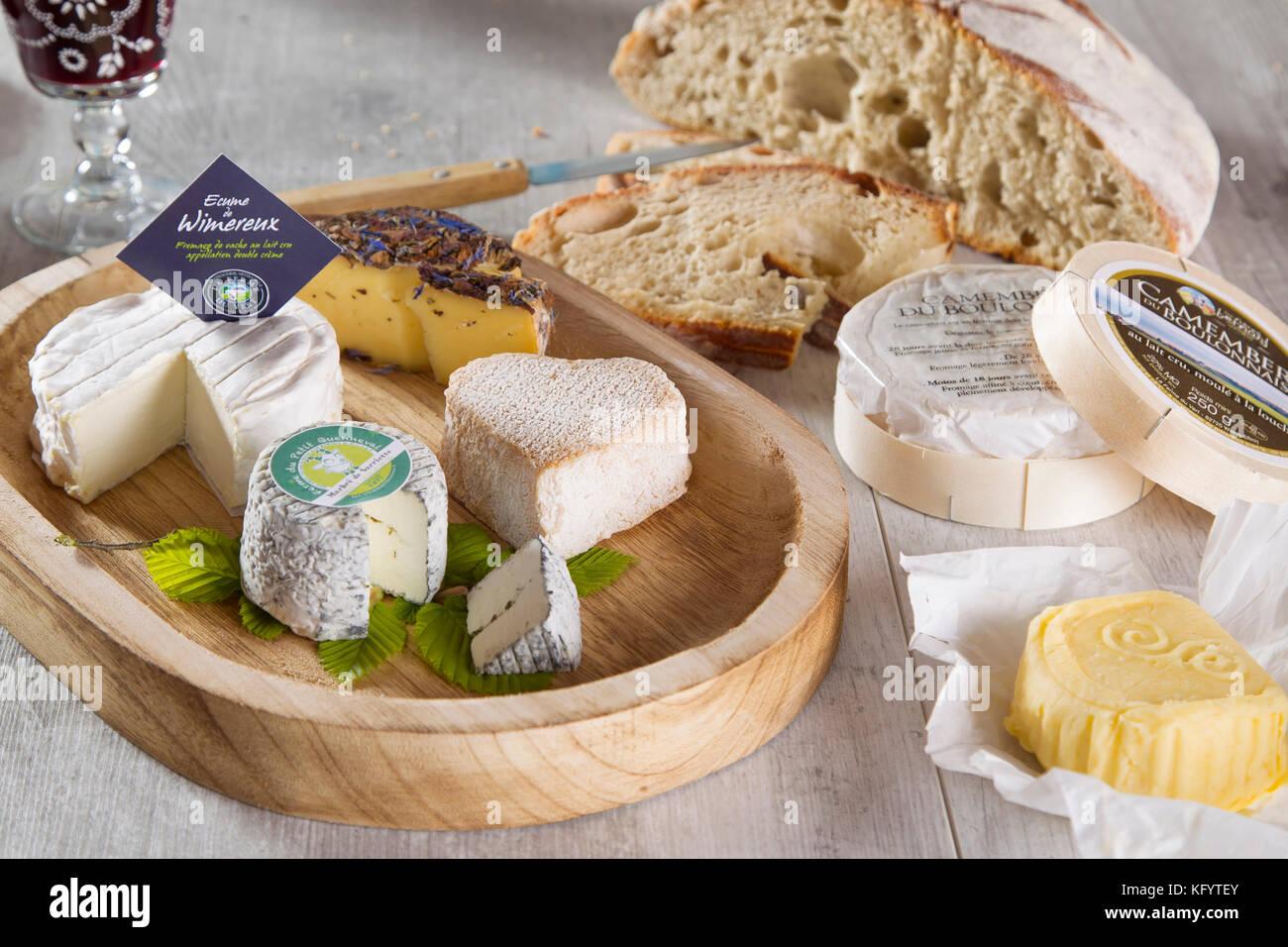 Les produits laitiers locaux de les Hauts-de-France Région: sélection de fromages, Ecume de Wimereux, Photo Stock