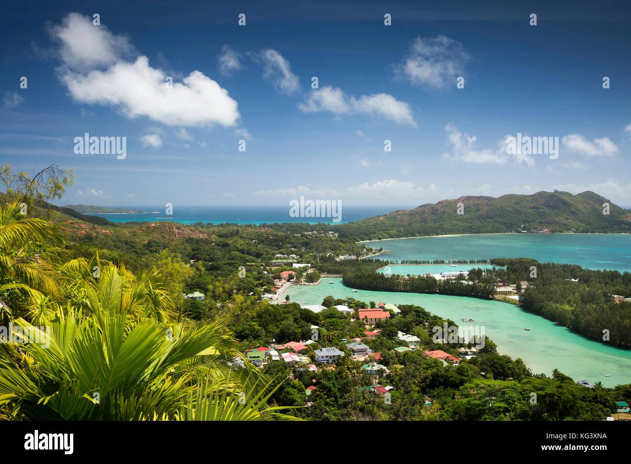 Les Seychelles, Praslin, Baie St Anne view de Fond Ferdinand Nature Reserve Photo Stock
