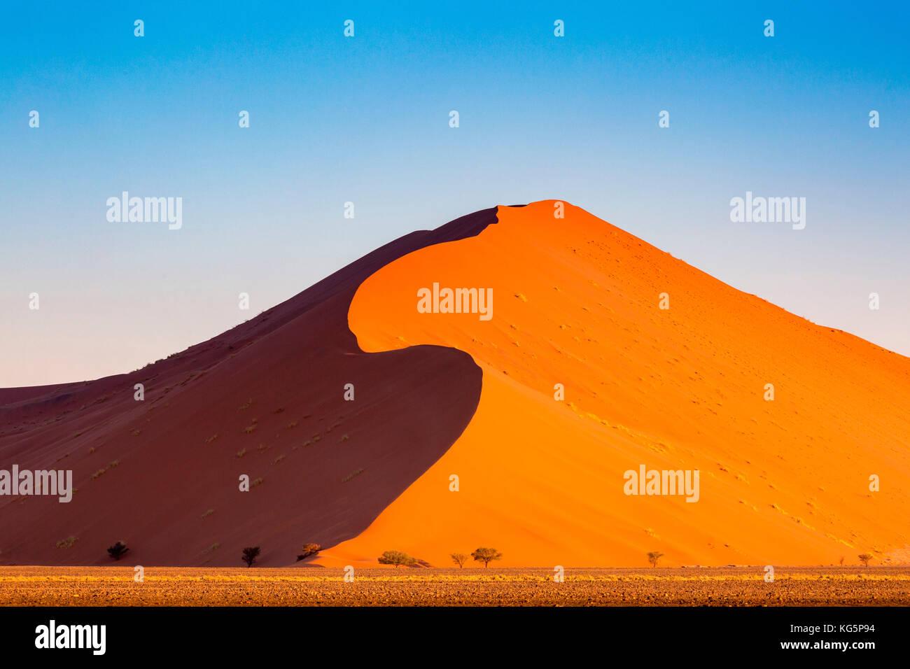 Les dunes de sable du désert du namib, Namibie, Afrique. Photo Stock