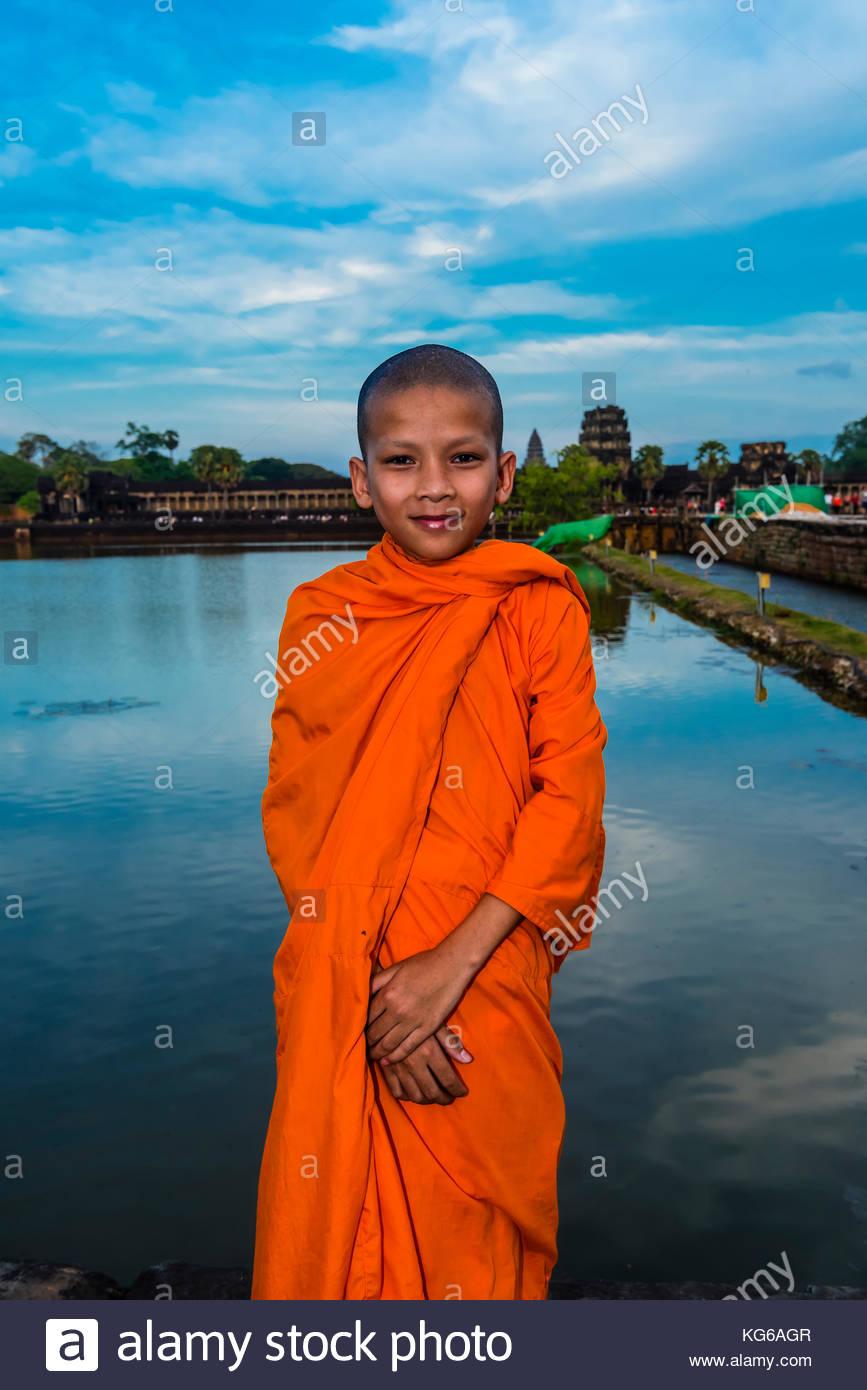 Moine Bouddhiste Novice, Angkor Wat, le plus grand monument religieux au monde (signifie ville qui est un Temple); Photo Stock