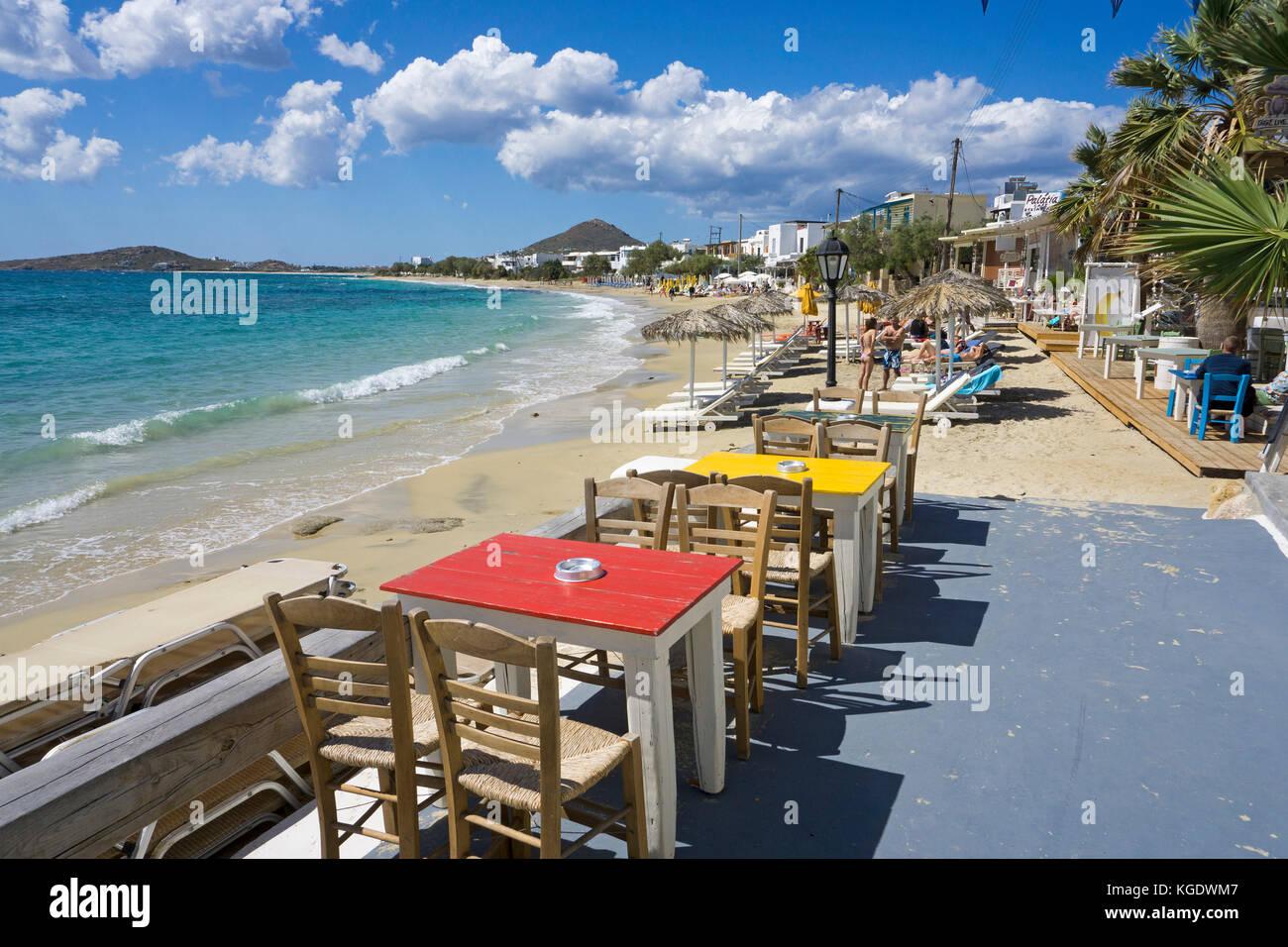 Gastronomie à la plage d'Agia Anna, l'ouest de l'île de Naxos, Cyclades, Mer Égée, Photo Stock