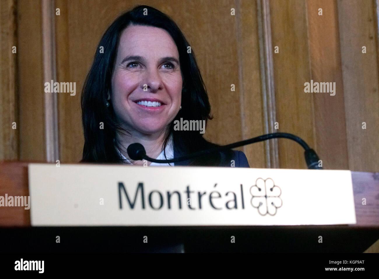 Montréal, Canada. Nov 7, 2017. La première femme maire de Montréal Valérie plante lors d'une Photo Stock