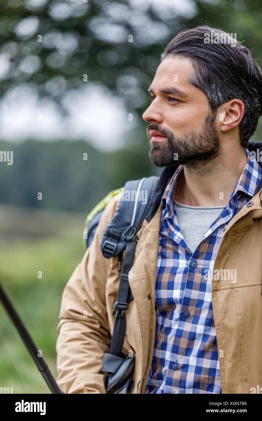 Bel homme avec sac à dos Photo Stock
