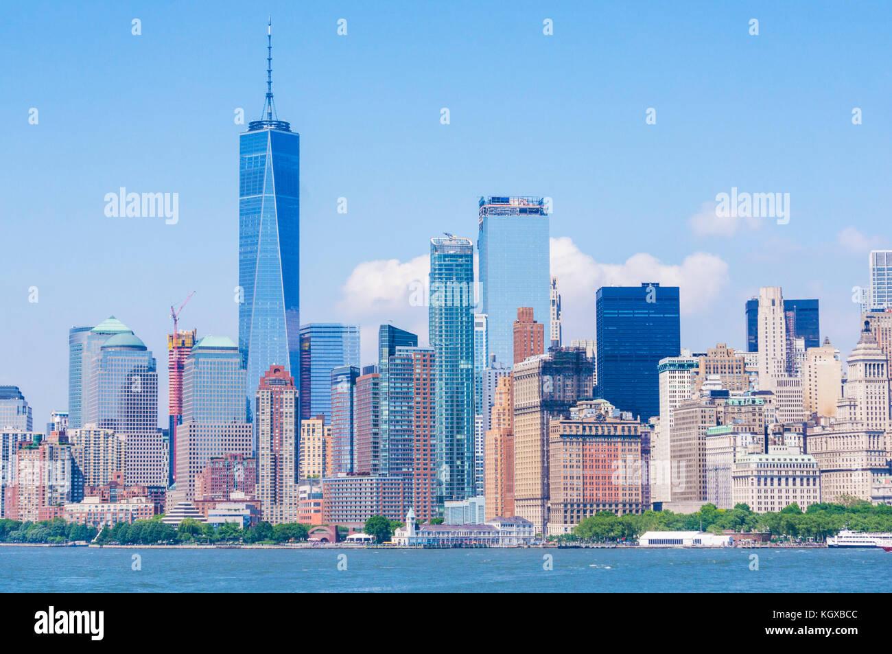 Skyline New york usa new york Manhattan skyline avec gratte-ciel dont la tour de la liberté de l'île Photo Stock