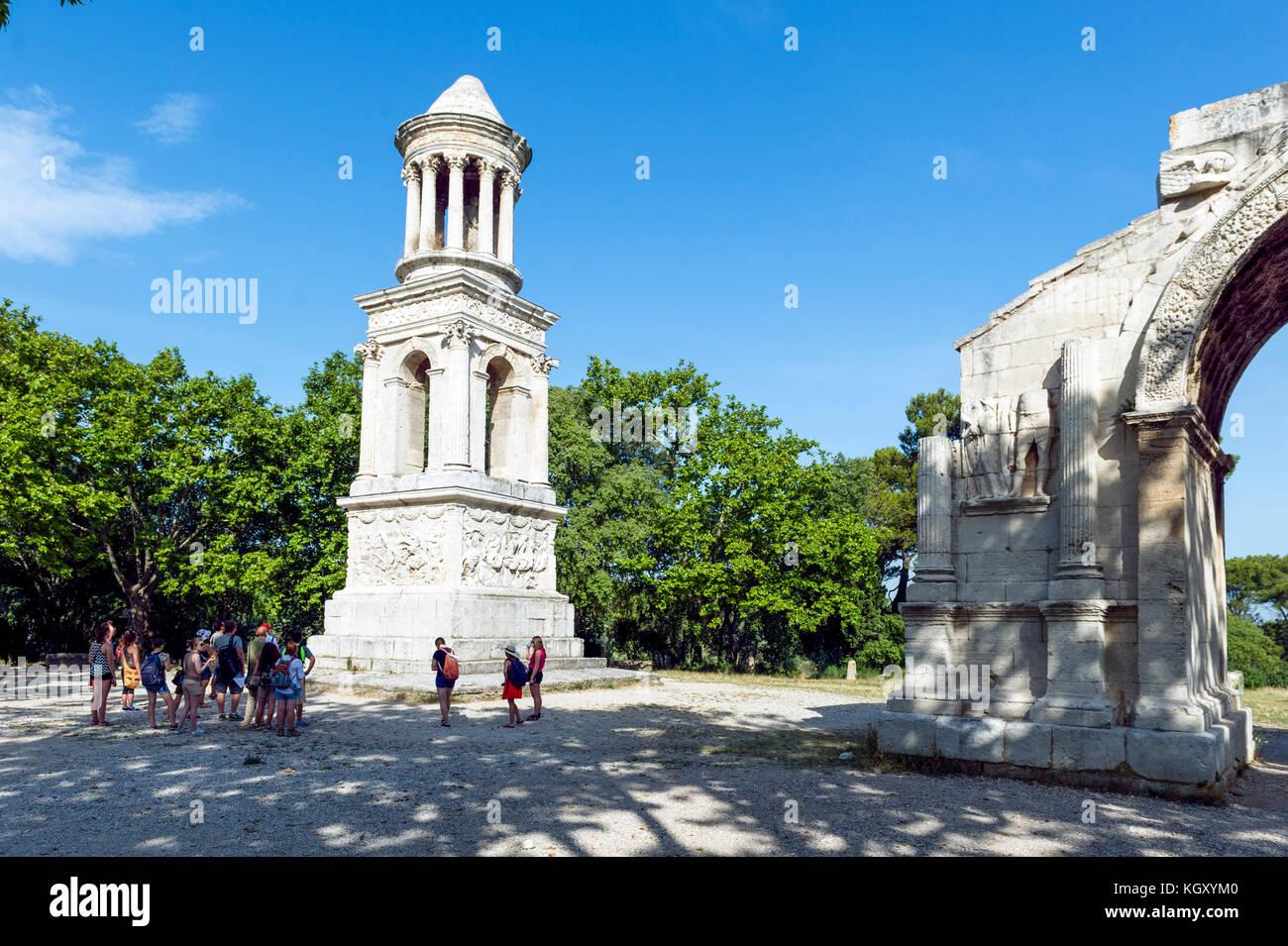 La France. PARC RÉGIONAL DES ALPILLES. SAINT-REMY-DE PROVENCE. GLANUM, site archéologique romain, le Mausolée Photo Stock
