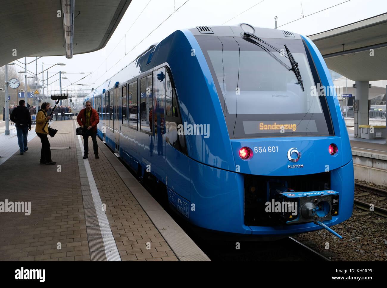 Wolfsburg, Allemagne. 9 nov, 2017. un nouveau train alimentés par des piles à combustible qui convertissent Photo Stock