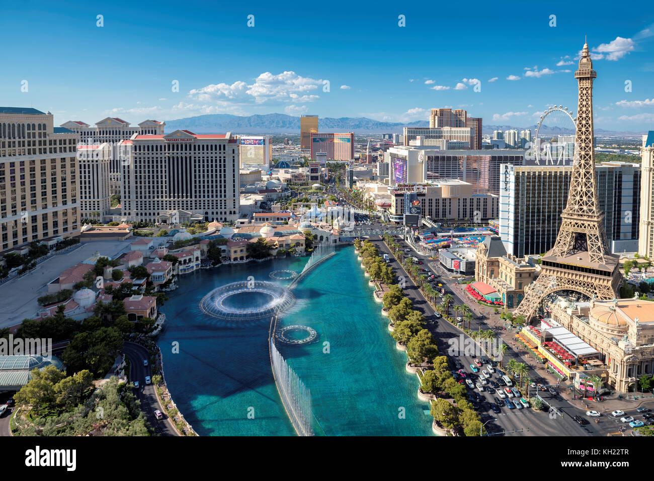 Strip de Las Vegas skyline at sunny day Photo Stock