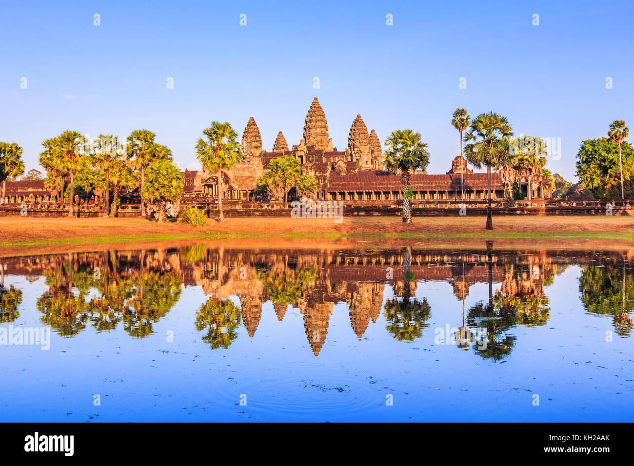 Angkor Wat, au Cambodge. vue de l'autre côté du lac. Photo Stock
